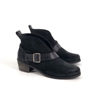 Ugg Wright Belted Suede Ankle Booties 6 Black